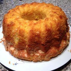 Bábovka z pudinku bez mouky 4 vanilkové pudinky 4 vejce 1 pr. do peč. sklenka oleje sklenka cukru krupice