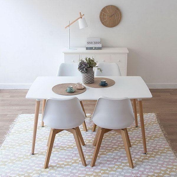 Muebles de comedor en blanco y madera