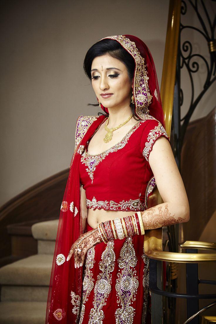 Red Designer Bridal Lengha | Neutral Makeup | Gold Jewelry |Red Gold Diamond Bangles | Net Chunni #indianwedding #wedding #lengha