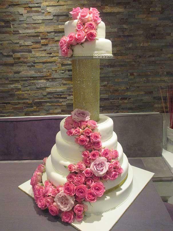 Und auch wenn die Gästeliste am Ende doch wieder etwas länger wurde, bleiben wir im Lézard ganz entspannt. Dann reicht die Torte eben für mehrere hundert Personen. #Torten #Hochzeitstorten #Hochzeit #Berlin