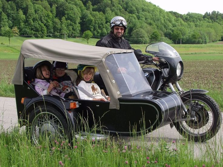 multi-passenger sidecar attached to BWM airhead with leading link front suspension