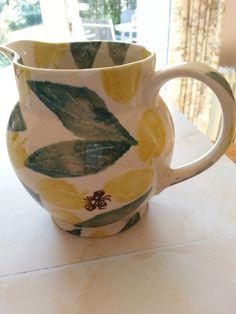 Emma Bridgewater rare 'Apricots and Bees' jug, circa 1986-88.