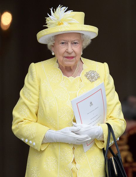 10 и 11 июня в Лондоне состоялись праздничные мероприятия в честь 90-летнего юбилея королевы Елизаветы II. На торжества прибыла вся семья правительницы, в том числе и самые младшие наследники престола — принц Джордж и принцесса Шарлотта.