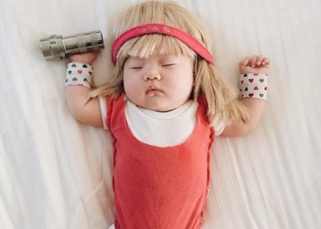 Το μωρό που τρελαίνει το Instagram με τις μεταμφιέσεις του, όσο κοιμάται! [pics,vid]