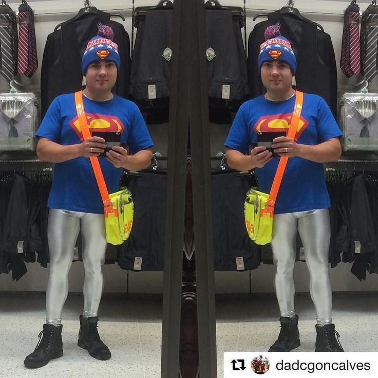 I Love Davids style in Silver New Metal. #tightsguy  #Repost @dadcgoncalves with @repostapp  @jeffreyscott1 #jsgear #metallic #silver #leggings #meggings #black #boots #superman #tshirt #beanie @cyberdogofficial #neon #yellow #orange #neonyellow #neonorange #bag #cyberdog
