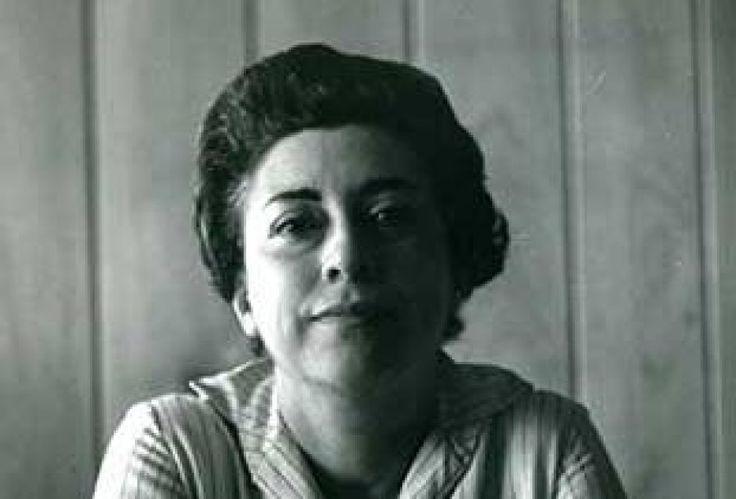 Rosario Castellanos Figueroa fue una narradora y poetisa, considerada una de las escritoras mexicanas más importantes del siglo XX. 25 de mayo de 1925, 7 de agosto de 1974.