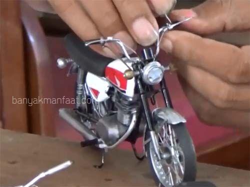 Miniatur Sepeda Motor Klasik