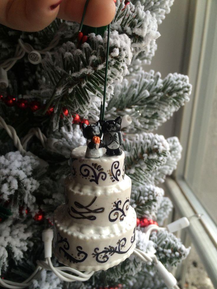 Miniature wedding cake christmas ornament