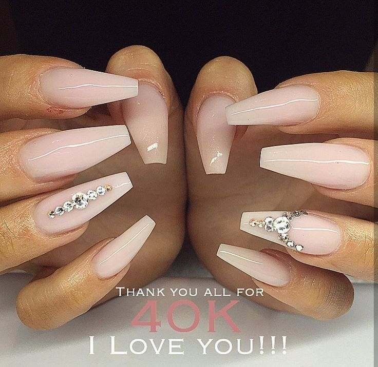 Clear pink acrylic nails with rhinestone details – Nägel
