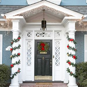 Focus on Traditional Wreaths and Garlands - love this look!!
