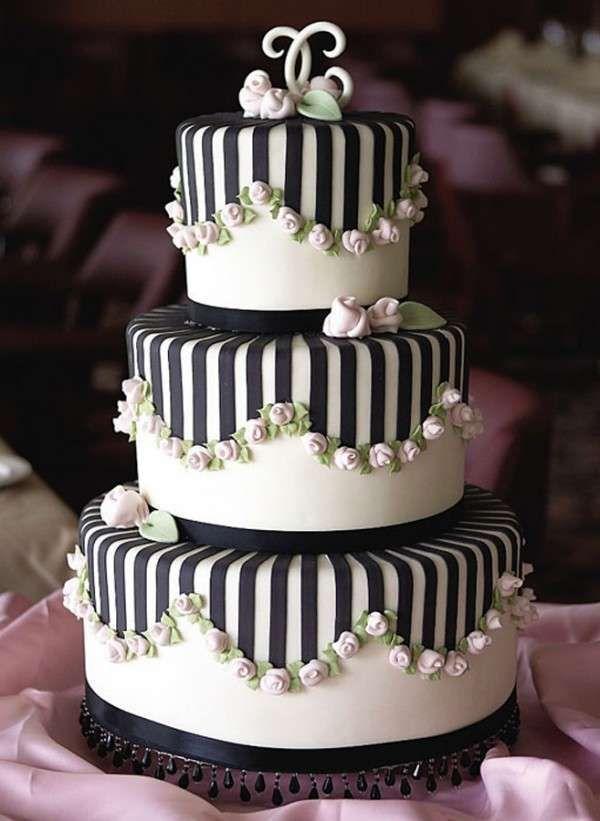Torte nuziali bianche e nere - Torta con righe bianche e nere