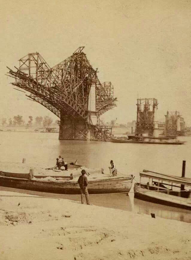 Eads Bridge being built
