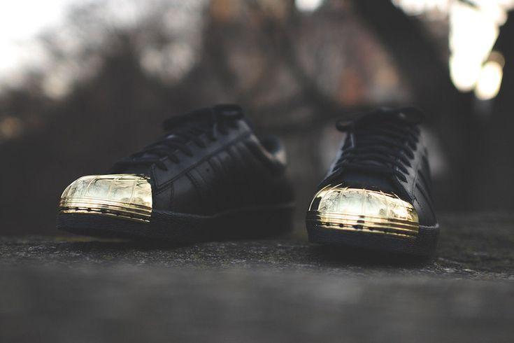 Adidas Superstar 80s metal Toe oro negro