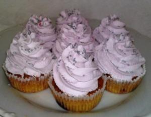 Cupcakes s lesným ovocím.
