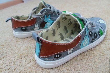 """Обувь ручной работы. кеды с росписью """"Тоторо"""". Мелочи жизни. Ярмарка Мастеров…"""