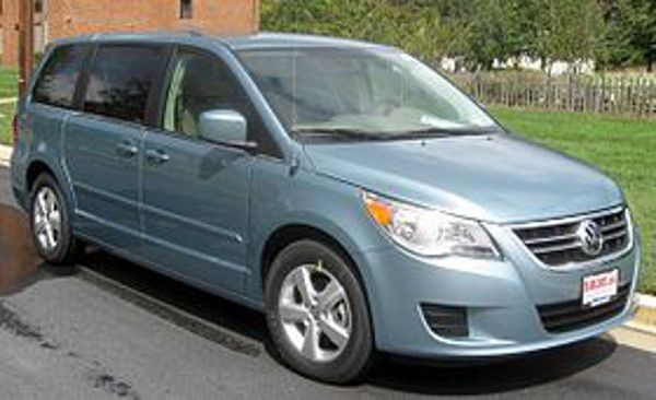 Volkswagen Group of Americais recalling 1,037 model year 2009 Volkswagen Routans manufactured February 7, 2008, to August 28, 2008.The air bag co