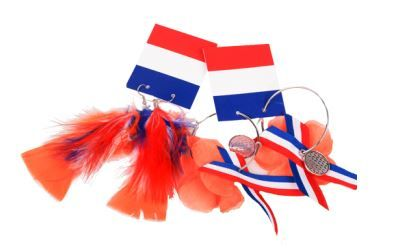 Koop deze leuke bijpassende #oorbellen voor je outfit voor #Koningsdag bij #Action. Bekijk de folder voor meer #oranje #accessoires via www.reclamefolder.nl of download de app.