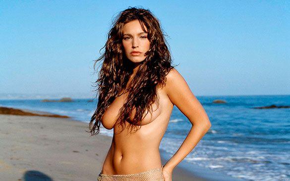 7. Kelly Brook: modelo, actriz, diseñadora y presentadora de la televisión inglesa.