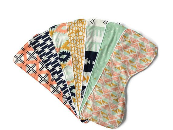 Bavoirs de bébé   Profilé de chiffons Burp   Ensemble de 3 ou plus   12 choix de tissu   Vous choisissez   Genre neutre   Géométrique   Moderne   Sud-ouest