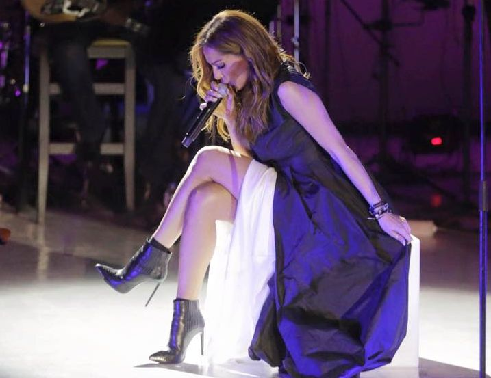Δέσποινα Βανδή: Όλα όσα έγιναν στη μεγάλη συναυλία της στο Βεάκειο (φωτογραφίες & βίντεο)