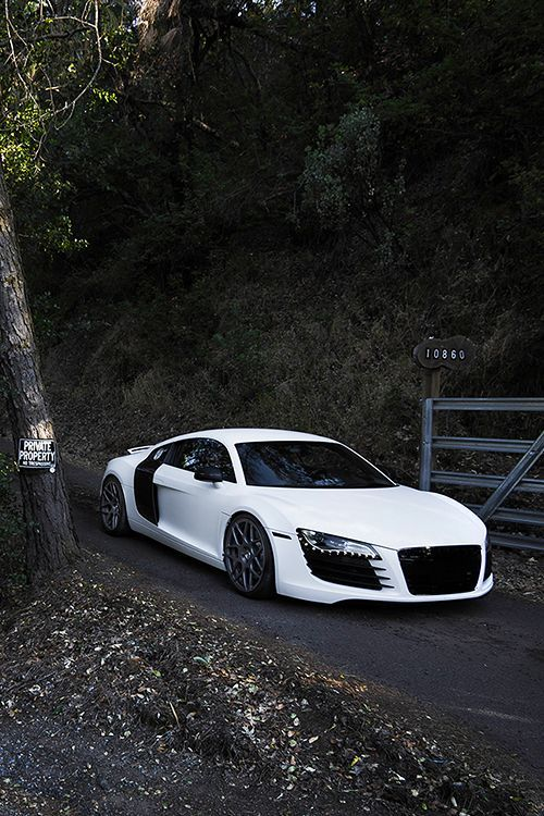 The two R8s I've seen in the past two days have inspired me, I never liked these until yesterday when I saw up close.