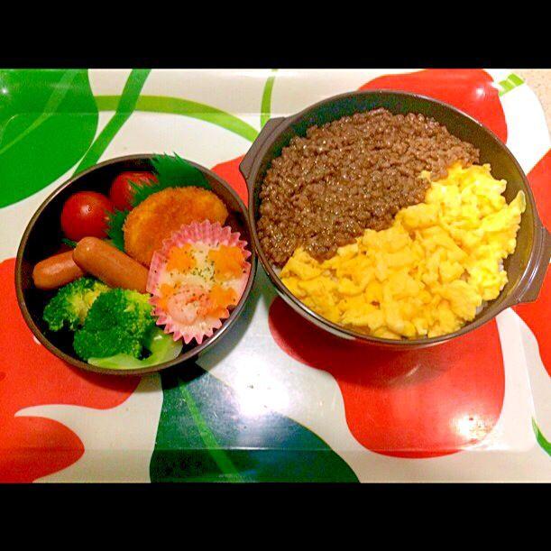 2色丼、グラタン、エビカツ、ソーセージ、ミニトマト、ブロッコリー - 53件のもぐもぐ - 2色丼、グラタン、エビカツ、ソーセージ、ミニトマト、ブロッコリー by norisaku22