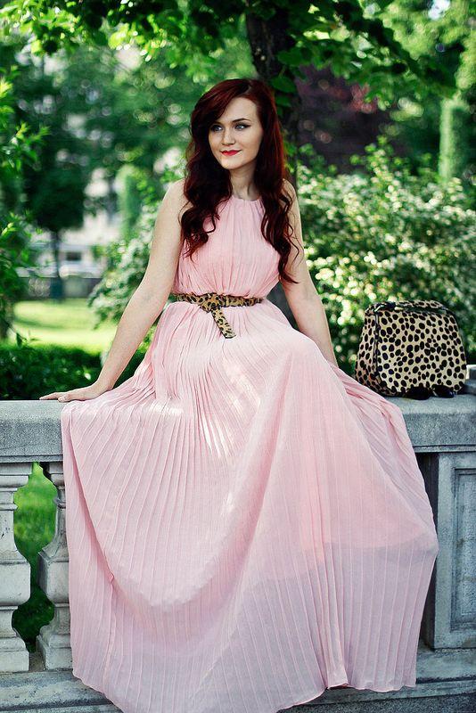 I love this pleated dress! #maxi dress #pink