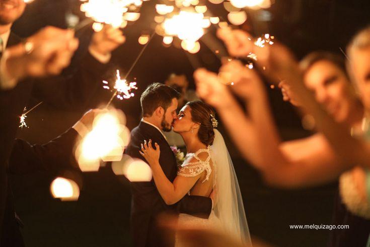 Casamento Romântico em Camboriú – Thamíris e Ramon http://lapisdenoiva.com/casamento-thamiris-e-ramon/ Foto: Melqui Zago