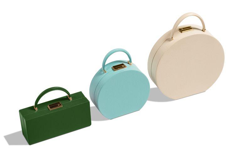 Geometrical monochromatic design are our passion! #Boxbag #roundbag  #fashion #luxury #minimal #wood #buwood