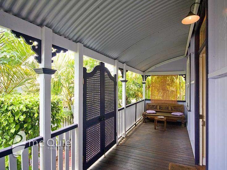 Lattice doors/batwing doors: Australian Verandah