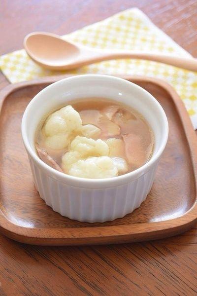 カリフラワーとベーコンのコンソメスープ  ほんわか温まるスープです!