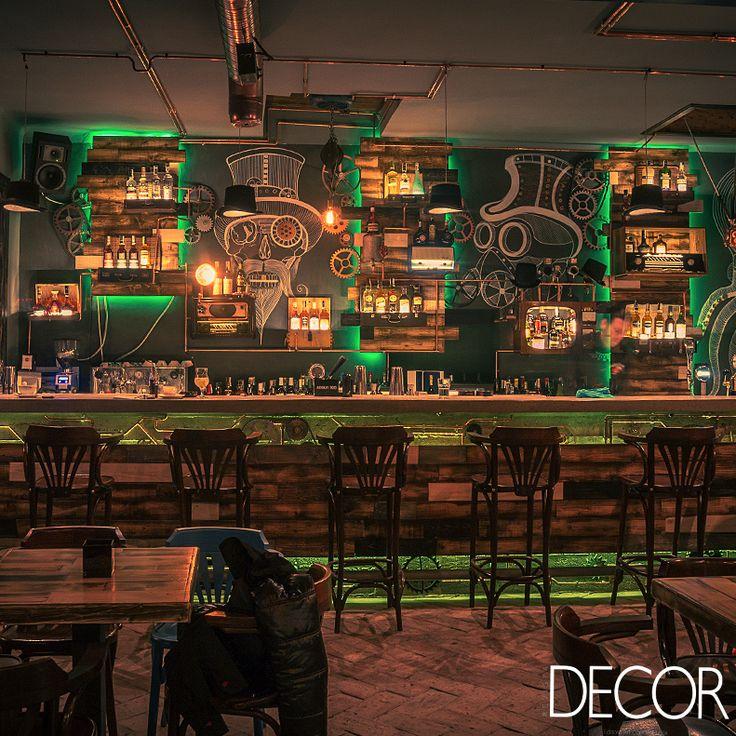 Bar com temática de ficção revoluciona cidade na Romênia. Veja mais em: www.revistadecor.com.br