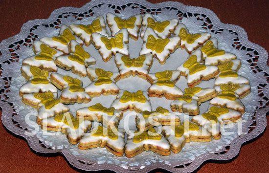 Pistácioví motýlci s citrónovou polevou