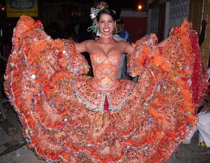 DANITZA SANTIAGO, REINA CENTRAL DEL CARNAVAL DE PUERTO COLOMBIA 2011, 'FUEGO DE CUMBIA'.