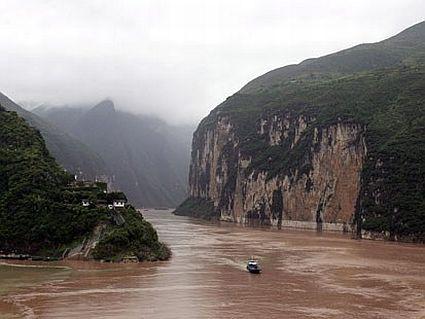 Travel the Yangtze River from Shanghai through Nanjing, Wuhan, The Three Gorges Dam & Chongking in China