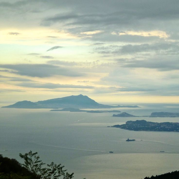 There's no better view of the Bay of Naples than from the summit of Mount Vesuvius. See for yourself, Messenger Travel can help you get there. #italy #italia #bayofnaples #ischia #vesuvius #travel #adventure #experienceitaly #messengertravel