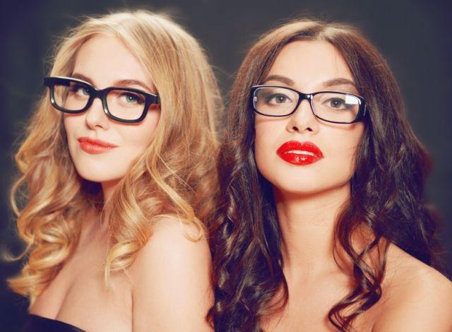 die besten 25 weitsichtigkeit ideen auf pinterest schminke mit brille make up f r kleine. Black Bedroom Furniture Sets. Home Design Ideas