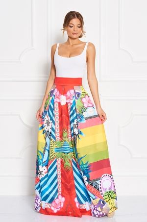 Jedinečná maxi sukňa z limitovanej Disney kolekcie Moana / Vaiana. Na sukni sú skombinované veselé farby, vzory, ktoré Vám zaručia neprehliadnuteľnosť. Vhodná na bežné nosenie či príležitosť.