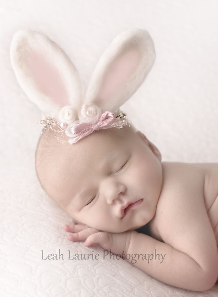newborn photography; easter; bunny ears