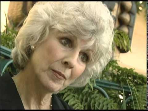 ▶ NPR's Diane Rehm and Spasmodic Dysphonia - YouTube