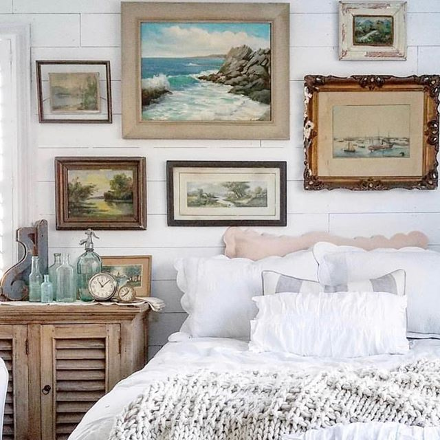 Bedtime Bliss with a gallery wall of Seascapes to whoosh you off to sleep.. https://ift.tt/2sEmVZq  Pic via Pinterest  #artshop #artwalls #gallerywall #artsource #artlovers #seascapes #bedroomdecor #bedroomstyle #artandinteriors #interiordecor #interiors #vintageart #vintageartemporium