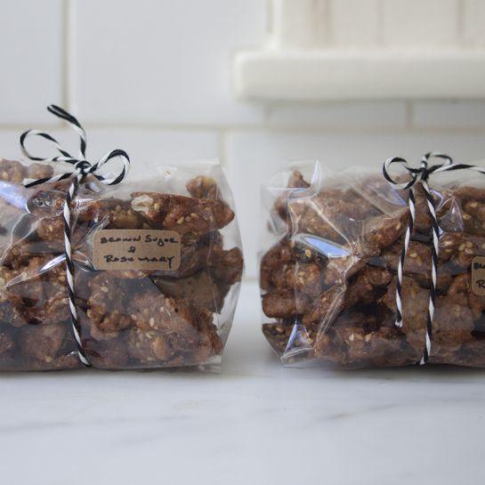 Brown Sugar Rosemary WalnutsWalnut Recipe, Holiday Gift, Brown Sugar, Food Gift, Sugar Rosemary, Holiday Food, Rosemary Walnut, Christmas Gift, Hostess Gift