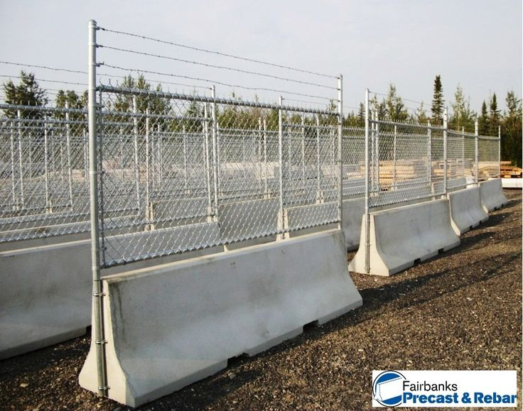 Jersy barriers w chain link Wargames (Painting Ideas