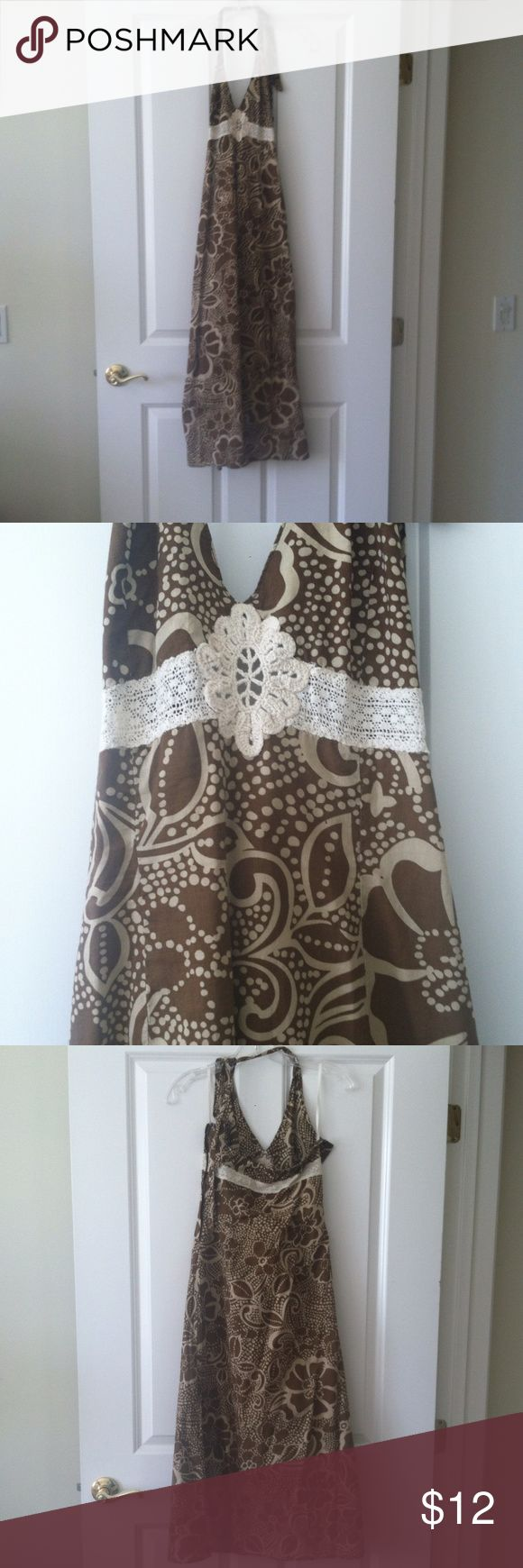 Roxy Dress Brown and cream dress from Roxy. It's a really fun dress, I've had it for years and have used it for island night when I used to work onboard Princess Cruises as well as just going out here in LA :). Still in great preloved condition, and has a lot of life left! 100% cotton Roxy Dresses Maxi