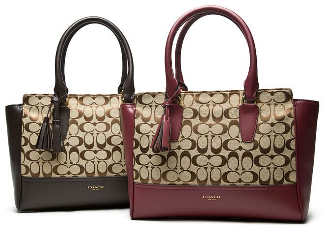 Coach Hangdag Outlet $228.00 http://www.vipbagsmall.com/