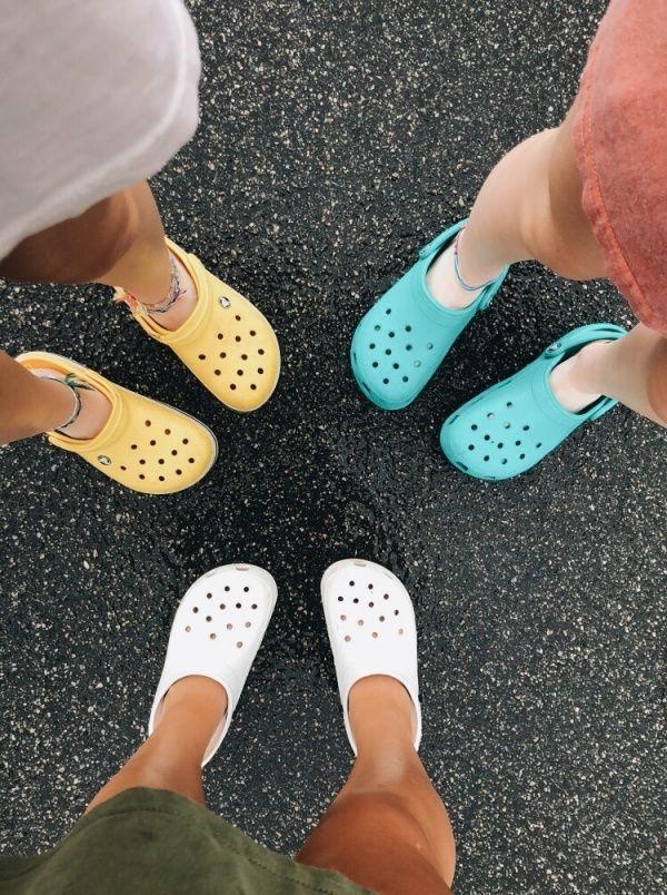 Crocs fashion, Crocs, Girls shoes