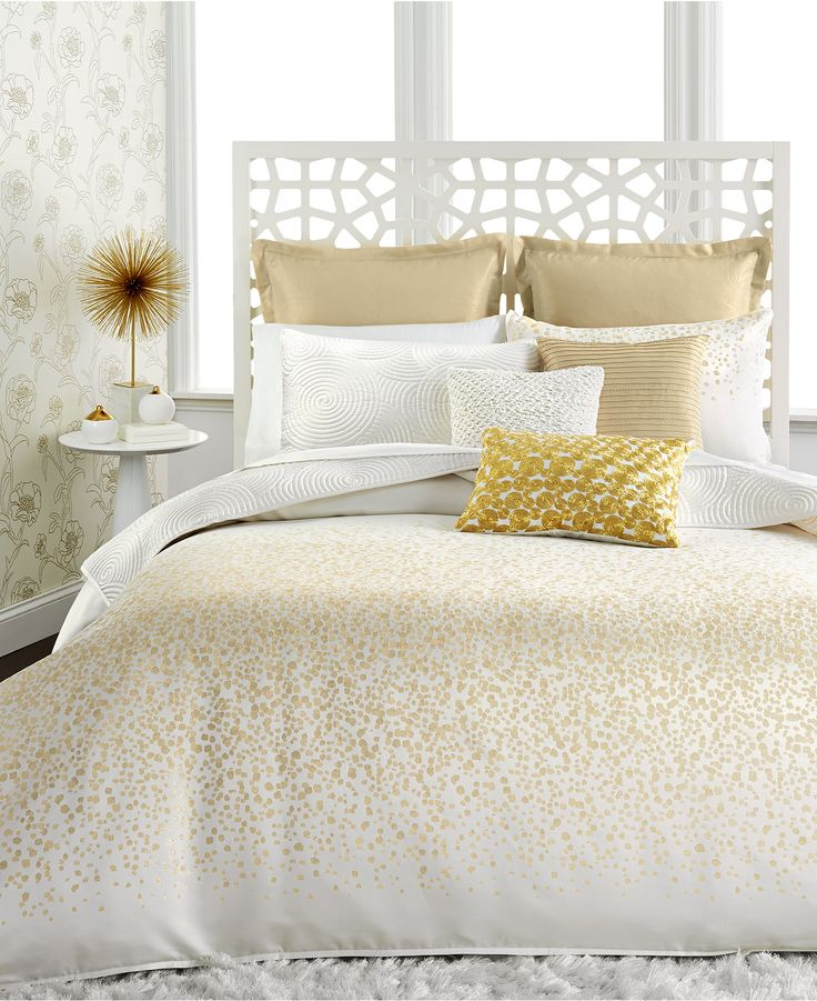 best 25 white and gold comforter ideas on pinterest black white and gold bedroom white and. Black Bedroom Furniture Sets. Home Design Ideas