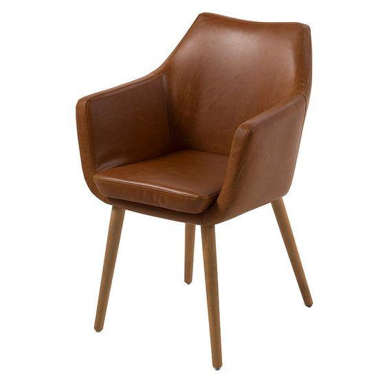 Stoel Petra vintage bruin. Compacte stoel met heel goede zit. De stoel Petra is geschikt als eetkamerstoel en ook als bijzet fauteuil. Leverbaar in 8 kleuren bij https://www.meubelen-online.nl/eetkamerstoel-petra-vintage-bruin-met-houten-poten