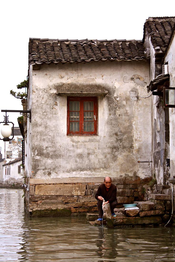 Suzhou, la Venise chinoise -  « Au ciel il y a le paradis, sur terre il y a Suzhou et Hangzhou ». Chaoying, poète de la dynastie Yuan (1279 -1368) => https://fr.wikipedia.org/wiki/Suzhou