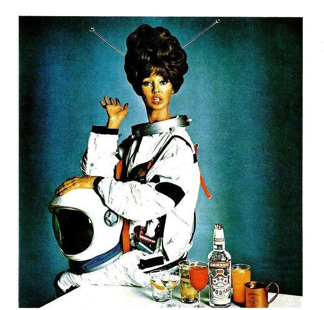 retro girl astronaut - photo #35